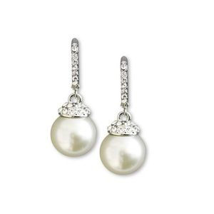 Givenchy pearl-white earnings